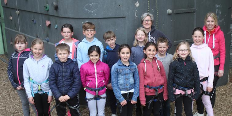 Klasse 4a der Blücherschule zu Besuch an der AFS-Kletterwand