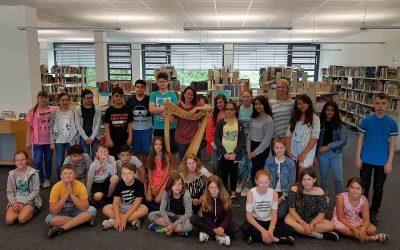 Highlight zum Schuljahresende: Märchen und Harfe in der Anne-Frank-Gesamtschule