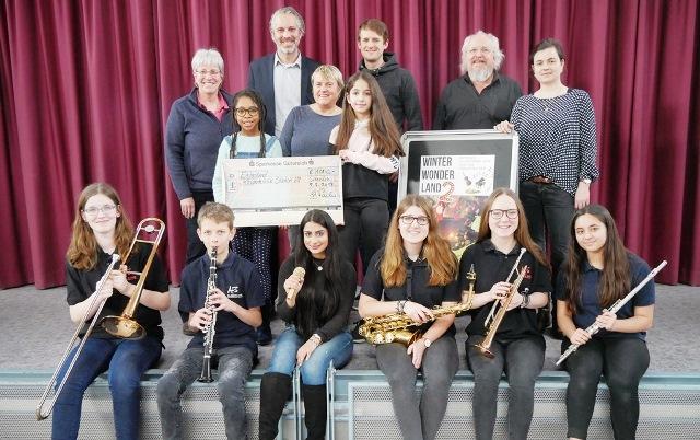 Erlös des Winterwonderland-Konzerts an Kinder-Krebsstation übergeben