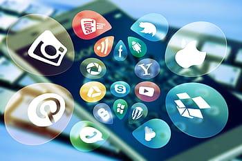 Anti-social Network – von Bennet de Boer, Q1